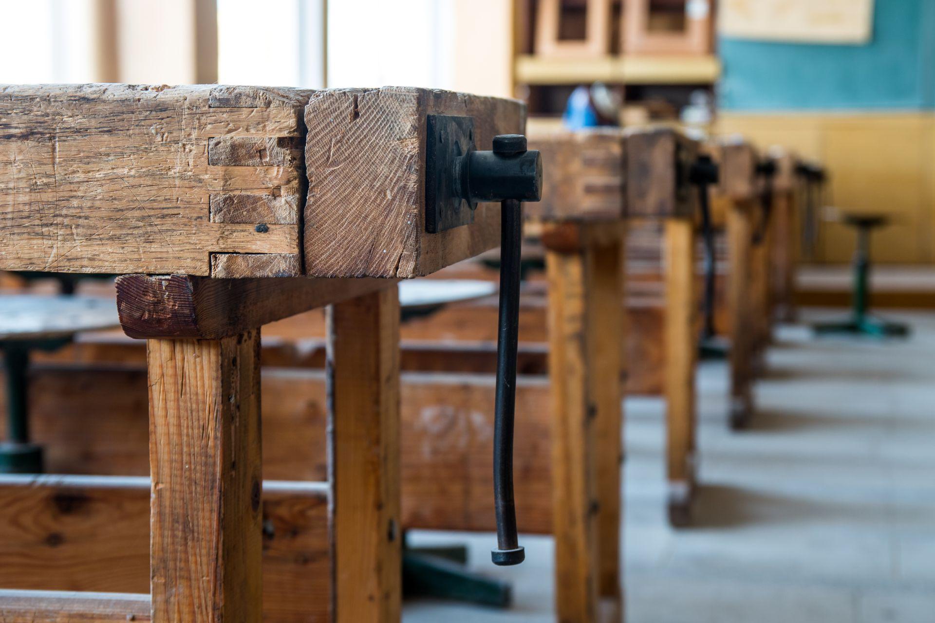 NAFA Kft. asztalos oktatás, képzés, ajtó, ablak, bútor